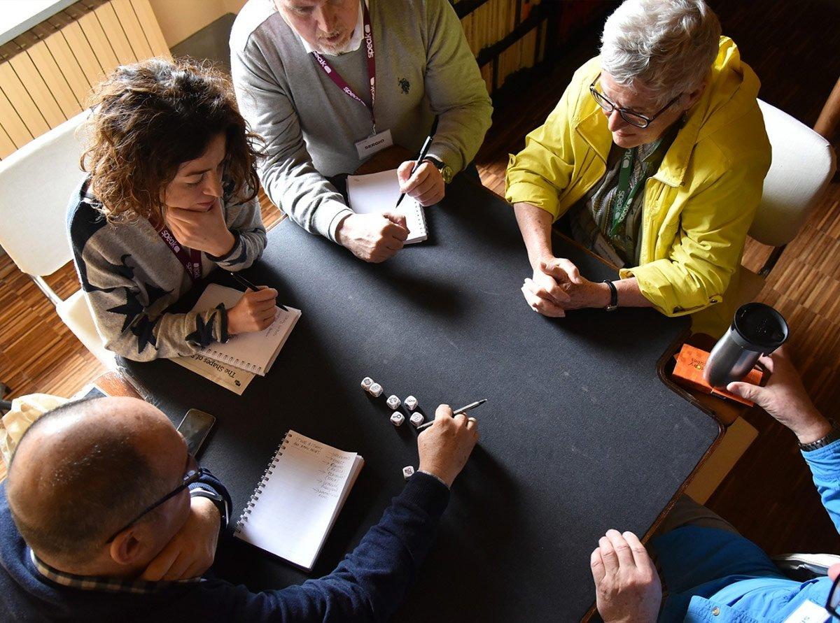 Una sessione di english storytelling in piccolo gruppo con madrelingua